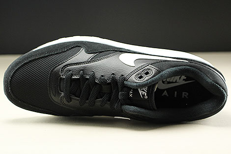 Nike Air Max 1 Black White Over view