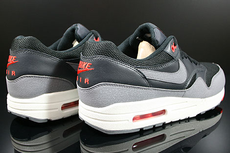 Nike Air Max 1 Essential Rot Grau