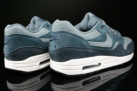 nike air max essential leather