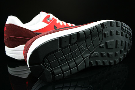new style d840d 49f8d ... White Black University Red Dark Team Red 555766-107. Nike Air Max 1 GS  Weiss Schwarz Rot Dunkelrot Laufsohle ...