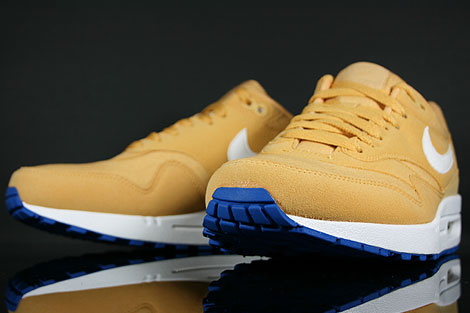 Nike Air Max 1 Honeycomb White Blue Spark Back view