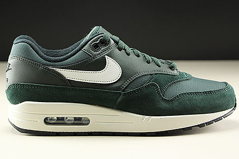 Nike Air Max 1 Outdoor Green Sail Black Rechts