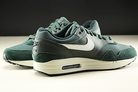 Nike Air Max 1 Outdoor Green Sail Black Innenseite
