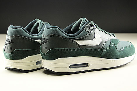 Nike Air Max 1 Outdoor Green Sail Black Rueckansicht