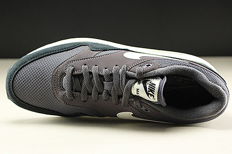 Nike Air Max 1 Thunder Grey Sail Black Over view
