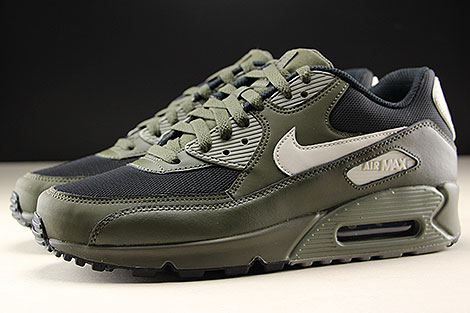 Nike Air Max 90 Essential Cargo Khaki Light Bone Profile