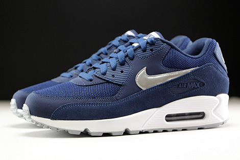official photos de268 57490 ... Nike Air Max 90 Essential Midnight Navy Metallic Silver White Profile  ...