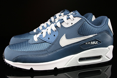 Nike Air Max 90 Essential New Slate Light Base Grey Sail Profile