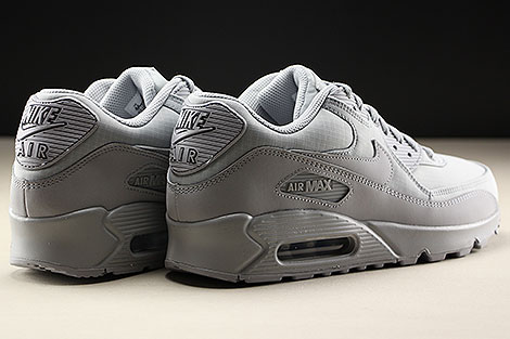 Nike Air Max 90 Essential Wolf Grey Wolf Grey Back view