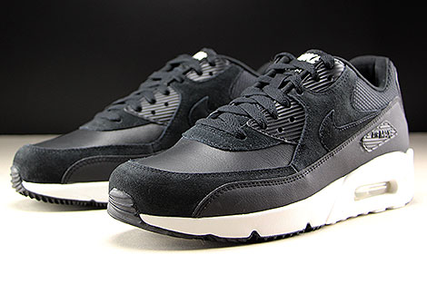 Nike Air Max 90 Ultra 2.0 LTR Black Summit White Sidedetails