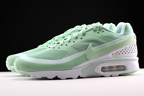 Nike Air Max BW Ultra Enamel Green Fiberglass White Profile