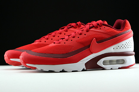 Nike Air Max BW Ultra University Red Bright Crimson White Profile