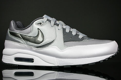 Nike Air Max Light Wolf Grey Dark Grey White Profile