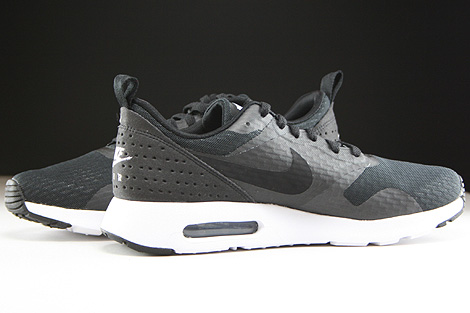 Nike Air Max Tavas Essential Black/White