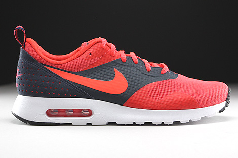 Nike Air Max Tavas Essential Rio Bright Crimson Dark Obsidian Right