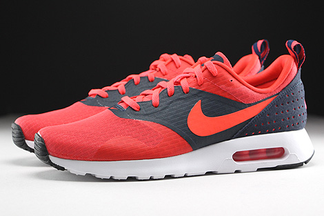 Nike Air Max Tavas Essential Rio Bright Crimson Dark Obsidian Profile