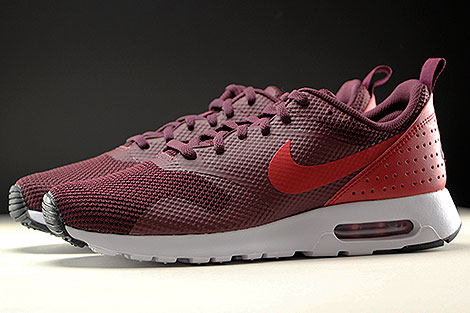 Nike Air Max Tavas Night Maroon Gym Red Black White Profile