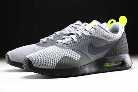 Nike Air Max Tavas Wolf Grey Anthracite Cool Grey Black Sidedetails