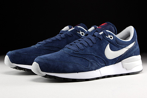 Nike Air Odyssey Leather Midnight Navy Neutral Grey University Red Sidedetails