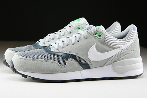 Nike Air Odyssey Silver White Classic Charcoal Profile