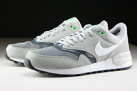 Nike Air Odyssey Silver White Classic Charcoal Sidedetails