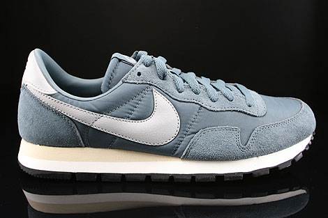 Gele Nike Sneakers AIR PEGASUS 83 SUEDE | wishlist | Nike