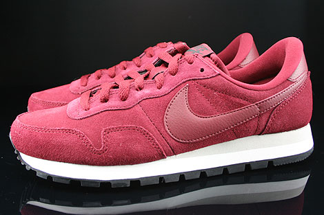Nike Air Pegasus 83 Suede Team Red Mortar Black Profile