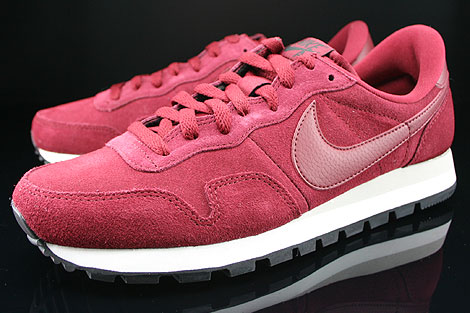 Nike Air Pegasus 83 Suede Team Red Mortar Black Sidedetails
