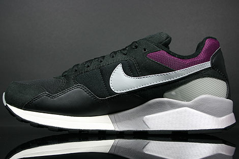 Nike Air Pegasus 92 Black Matte Silver Sangria Back view