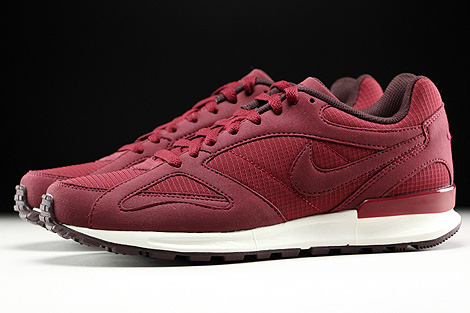 Nike Air Pegasus New Racer Team Red Mahogany Sail Profile