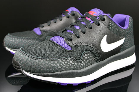 Nike Air Safari LE Anthracite White Black Purple Sidedetails