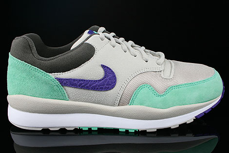 Nike Air Safari Mortar Electric Purple Green Glow Petra Brown