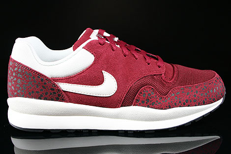 Nike Air Safari Team Red Sail Black