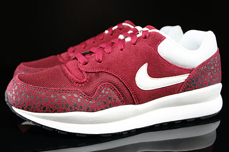 Nike Air Safari Team Red Sail Black Profile