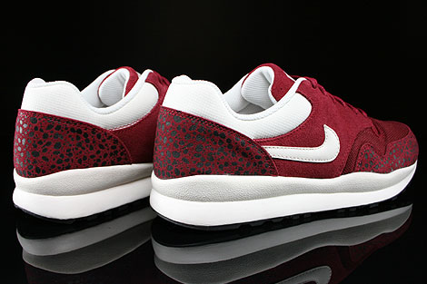 Nike Air Safari Team Red Sail Black Back view