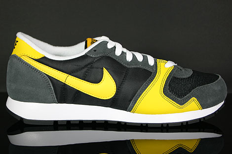 Nike Air Vengeance Black Varsity Maize Dark Grey Profile