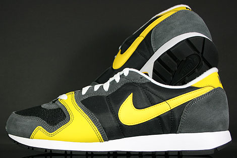 Nike Air Vengeance Black Varsity Maize Dark Grey Back view