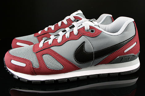 Nike Air Waffle Trainer Dark Grey Wolf Grey Team Red White Profile