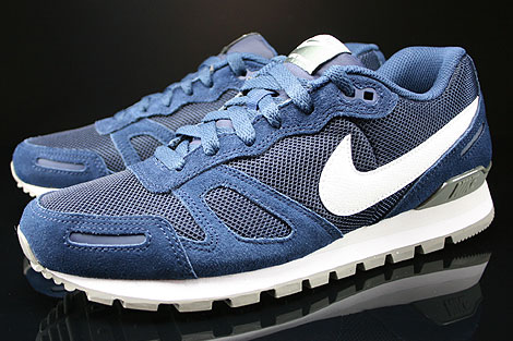 Nike Air Waffle Trainer Midnight Navy White Base Grey Sidedetails