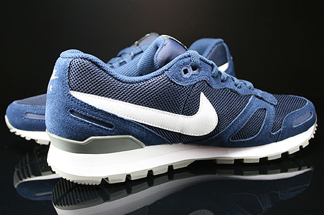 Nike Air Waffle Trainer Midnight Navy White Base Grey Inside
