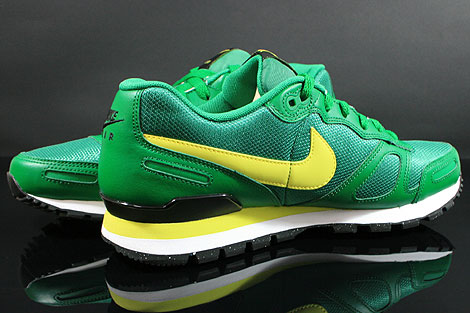 Nike Air Waffle Trainer Pine Green Yellow White Black Inside