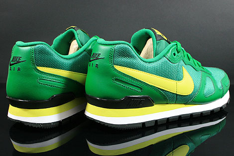 Nike Air Waffle Trainer Pine Green Yellow White Black Back view
