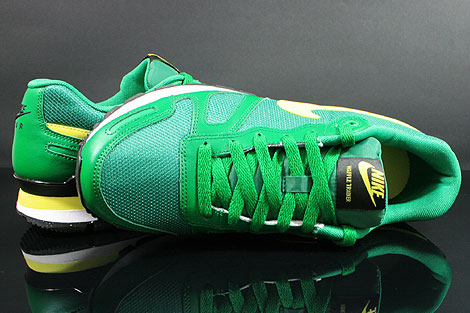 Nike Air Waffle Trainer Pine Green Yellow White Black Over view