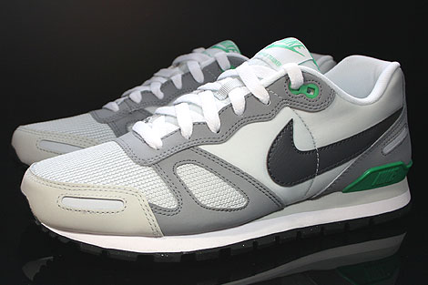 Nike Air Waffle Trainer Pure Platinum Dark Grey White Green Profile