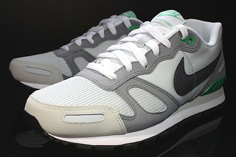 Nike Air Waffle Trainer Pure Platinum Dark Grey White Green Sidedetails