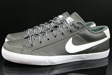 Nike Capri 2 Midnight Fog White Profile