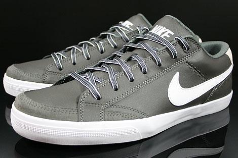 Nike Capri 2 Anthrazit Weiss Seitendetail
