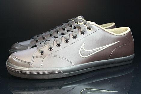 Nike Capri Black Tea White Khaki Profile