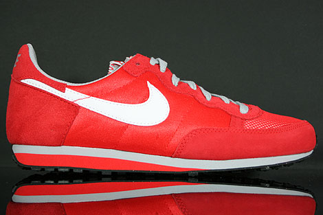 Nike Challenger Challenge Red White