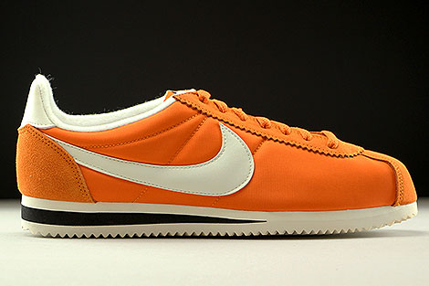 Nike Classic Cortez Nylon AW Clay Orange Sail Black Right